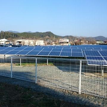 H27・12 広い敷地内に、太陽光パネル設置工事